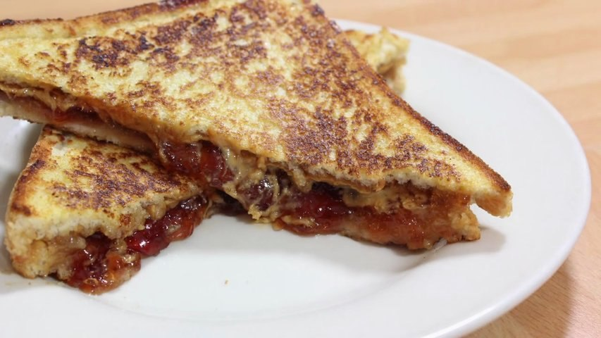 HOW TO MAKE PEANUT BUTTER JELLY SANDWICH