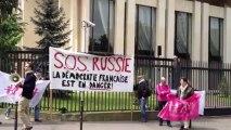 Manif pour tous : des manifestants demandent l'aide de la Russie