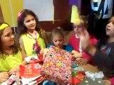 Anniversaire de Louanne pour ses 6 ans avec ses amies au macdo