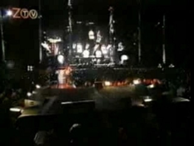 U2 - Mysterious ways from ZOO TV