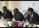 Le Président Ali Bongo Ondimba et le Premier Ministre japonais Shinzo Abe se rencontrent lors de la TICAD V