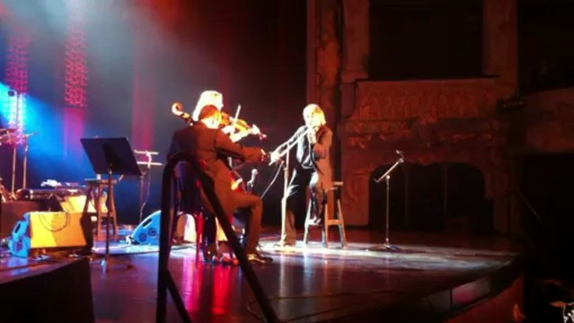 Improvisation : Didier Lockwood -Vincent Segal invite M. Ni Mhaonaigh (Altan)