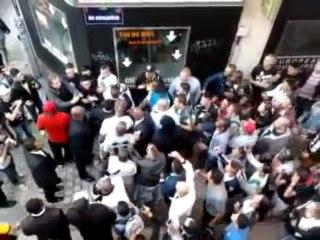 Booba donne un coup de poing à un fan en Belgique !