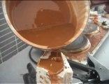 www.plasticliquid.com du plastique liquide ! qui durci en 5mm pas de mélange pas de catalyseur réutilisable ! ce coule comme de l' eau