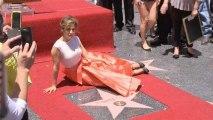 Jennifer Lopez ganha estrela na Calçada da Fama
