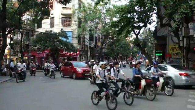 2013-05-04 - Hanoi, la circulation en centre ville
