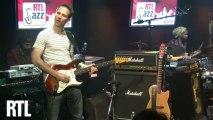 Richard Bona - Engingilaye en live dans RTL Jazz Festival présenté par Jean-Yves Chaperon