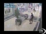 """Accoltella uomo in centro commerciale, il video di sorveglianza. Arrestato a Sesto S.Giovanni. """"Non faccio sesso da 6 anni"""""""