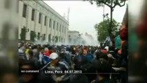 Pérou: affrontements entre manifestants et... - no comment