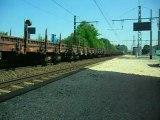 UM DE BB 75000 ET TRAIN DE WAGONS PLATS