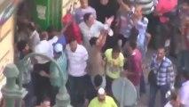 [Choquant] Egypte : Des Frères Musulmans jettent quatre jeunes anti-Morsi du haut d'un immeuble