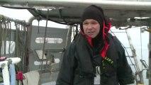 Marc Picheral nous explique son rôle à bord et nous parle de la station de prélèvements du jour © France Télévisions
