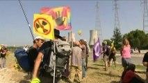 Des militants de Greenpeace pénètrent dans la centrale nucléaire du Tricastin