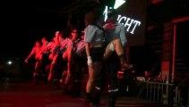 Le strip-tease des pompiers d'Auxerre au bal du 14 juillet