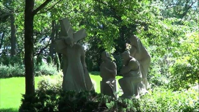 Qu'est-ce qu'il y a à l'oratoire Saint-Joseph du mont Royal de Montréal? (deuxième partie) --- (Québec, Canada)