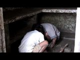 Cleaning the mud from the houses: Uttarakhand flood