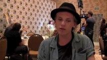 Джейми Кэмпбелл упоминает Роба в своем интервью на Комик-Кон 2013