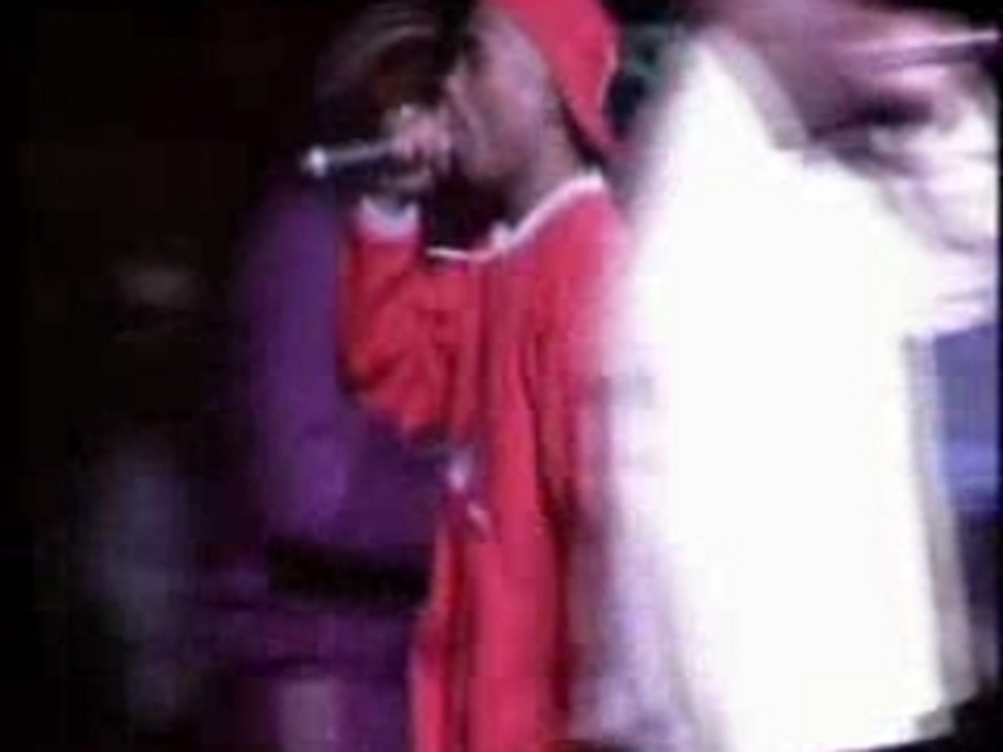 TuPac - Out On Bail (supert live)(94)