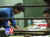 Tv9 Gujarat - Robbers looted jewellery worth 30 lakh from jeweller , Ahmedabad