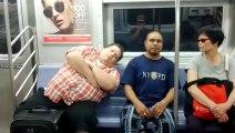 La blague du gars qui s'endort sur ton épaule dans le métro... Caméra cachée dans le métro New-Yorkais !!