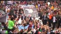 """Le pape François: """"qui suis-je pour juger une personne..."""