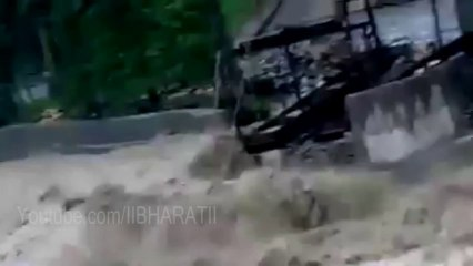 Uttarakhand Flood 2013 Live Video - River Live Video After Heavy Rains