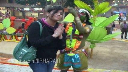 Girl & Hanuman - Suraj kund fare 2013