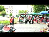 Bangkok : food stall attached to a motor bike