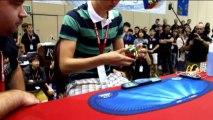 Incredibile, solo 7 secondi per risolvere il cubo di Rubik