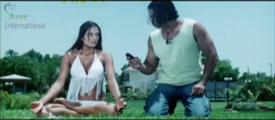 Beautiful Girl Slashes Bodyguard's Finger in the film Love.com