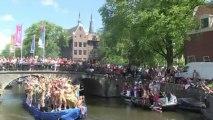 Des footballeurs et des ministres à la Gay Pride d'Amsterdam