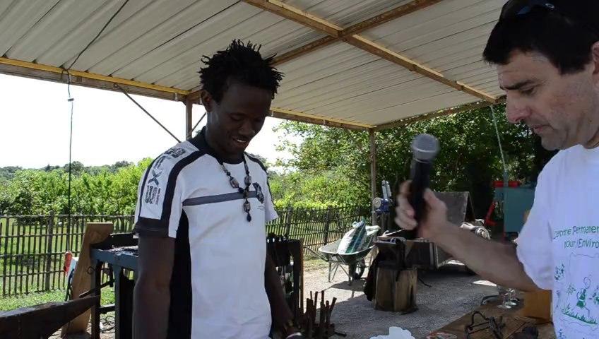 13 08 03 Moules et petites pièces coulées  par un artiste du Burkina Faso