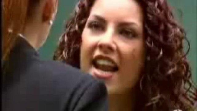 Rubi: Sônia (Marlene Favela) dá um tapa na cara de Rubi (Bárbara Mori)