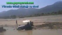 Pamukova Çardak Köyü Sakarya Nehrine Batan Traktörler