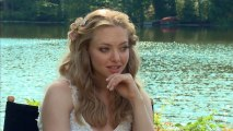 "Amanda Seyfried Looking Hot On Set Of ""The Big Wedding"" Talks About Co-Stars"