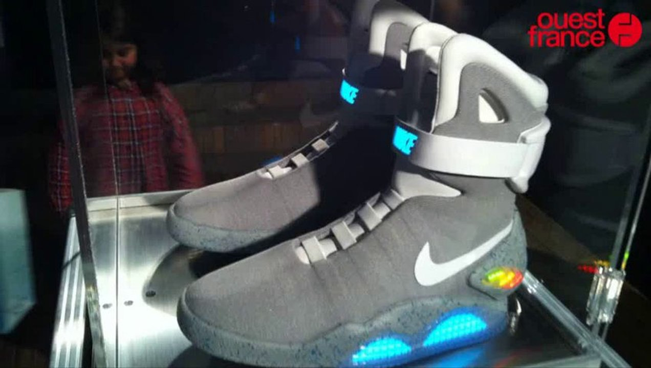 Pierre Ménès et les Nike Mag de Retour vers le futur