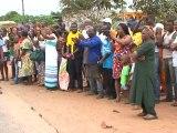Le Président gabonais Ali Bongo Ondimba  visite les nouveaux logements de Port-Gentil