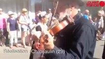 Le defile du festival du Menez hom - 54e festival du Menez Hom