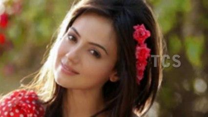 Sana Khan Hot And Sexy Looks (HD)