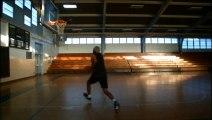"""Julius """"Dr. J"""" Erving plaque un dunk à 63 ans!! Légendes du Basket-ball Américain - NBA 2013"""