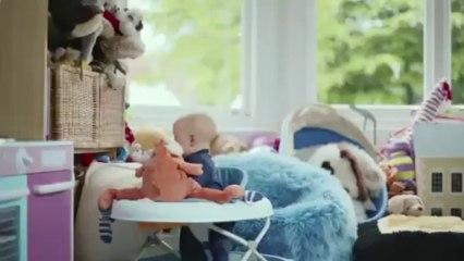 Une course poursuite entre un bébé et un aspirateur !