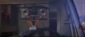 CORTO CIRCUITO - Johnny Numero 5 Ascolta La Radio