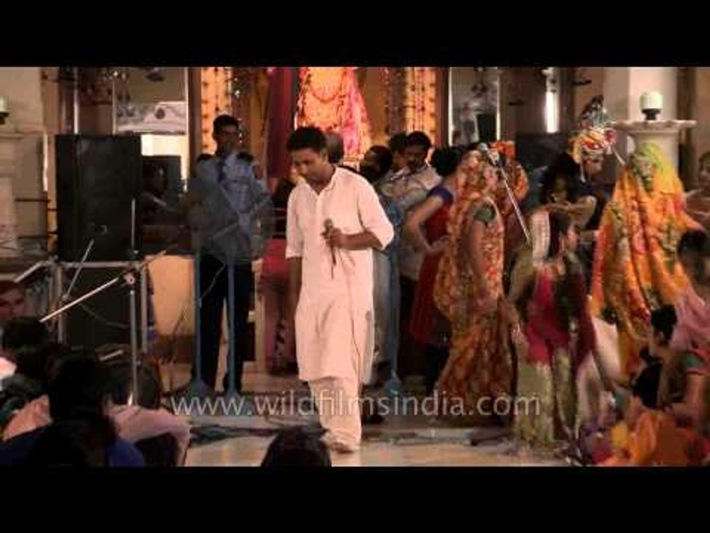 Religious leaders singing bhajans on Janmashtami