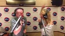 Bruno Fialho et Justine Fraioli dansent dans le studio