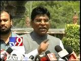 Sheila Dixit's son threatened Telugus like a don - MP Nama