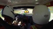 juliensaxo1600 en caméra embarquée à bord de son saxo 16V F2000 blanc et rouge, le 1er Septembre 2013 sur le circuit vitesse du Pole Mécanique d'Alès, lors des journée portes ouvertes à la session de 15h.