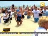 أمريكية في سن الرابعة والستين تسبح من كوبا إلى فلوريدا من دون حماية من أسماك القرش