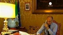 Los aliados de Berlusconi amenazan con dejar caer al...