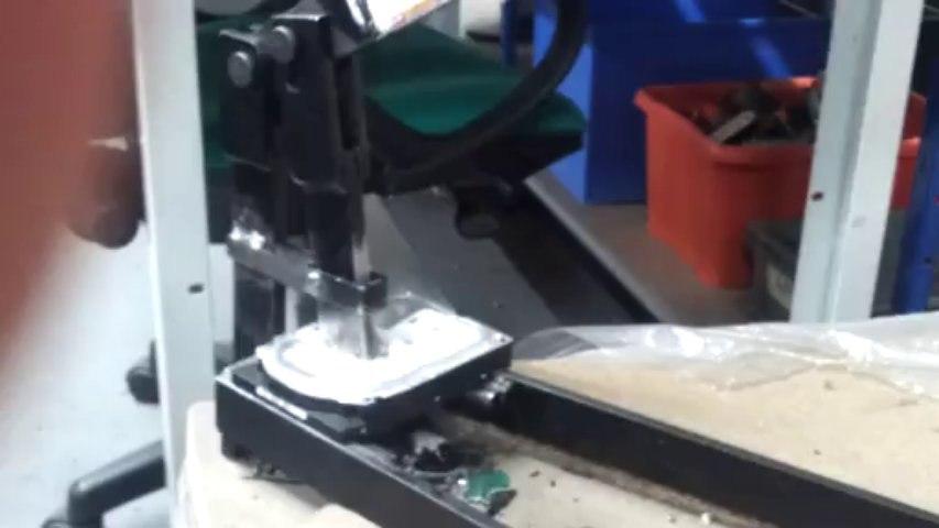 Destruction mécanique d'un disque dur