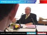 Présidentielle 2007 - Le Pen face aux lecteurs du Parisien : Avez-vous déjà consulté une voyante ?